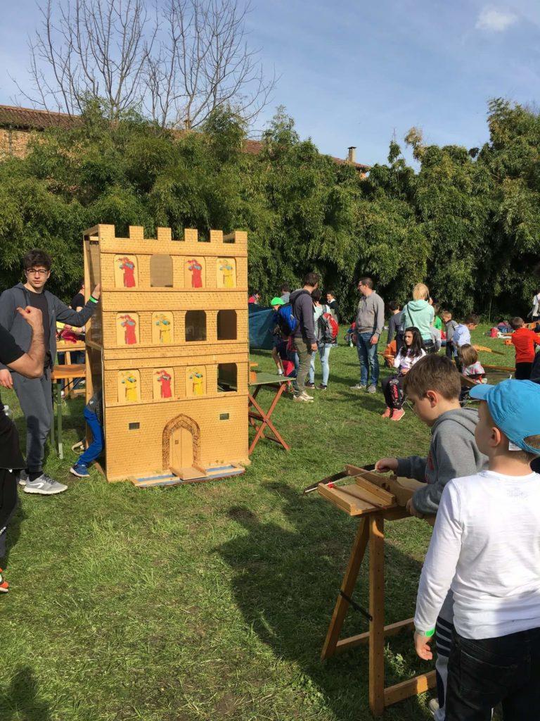 gioco tradizionale: assedio al castello